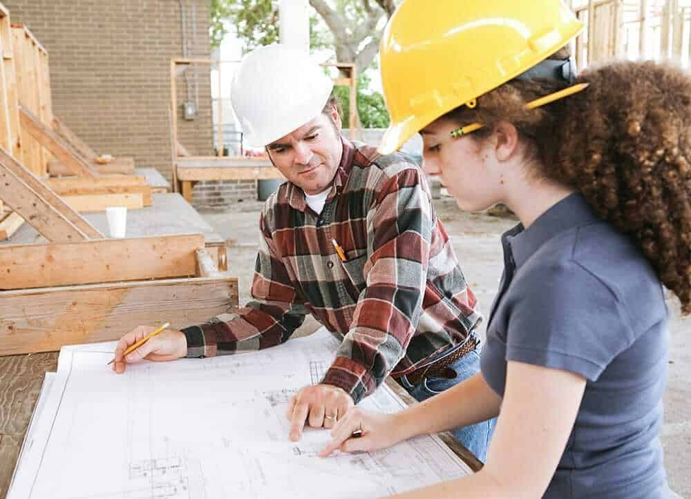 construction manager advises on architecture plan