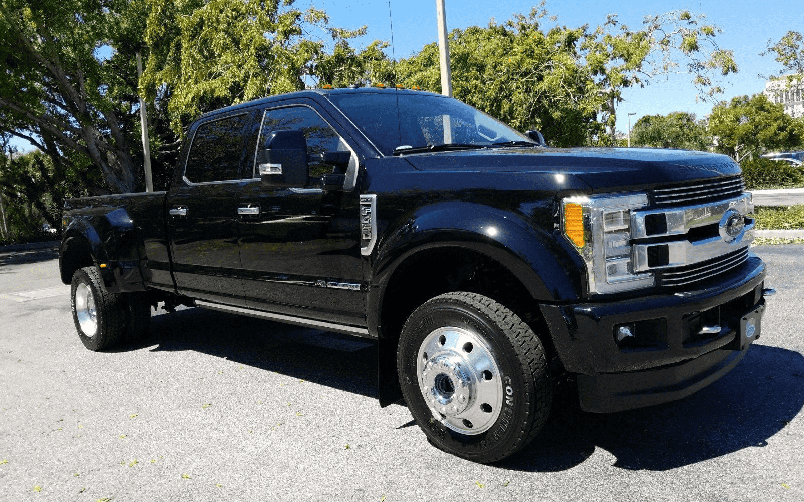 Ford Super Duty F-450 Limited