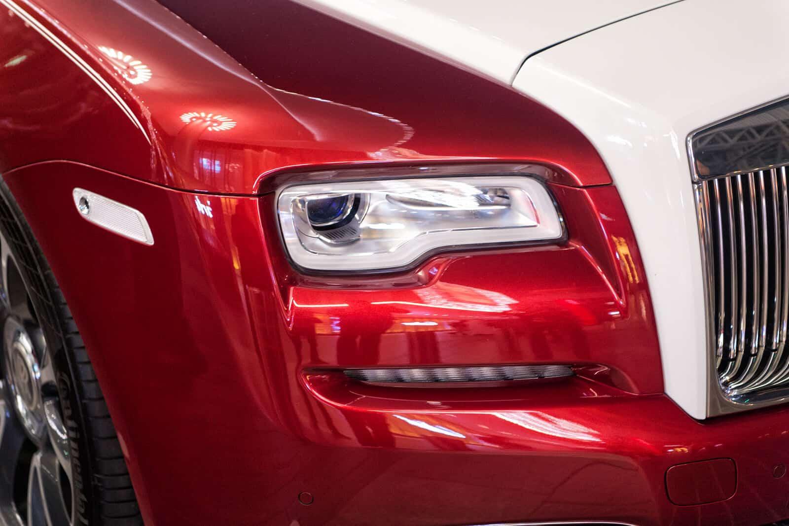 Front headlights of Rolls Royce