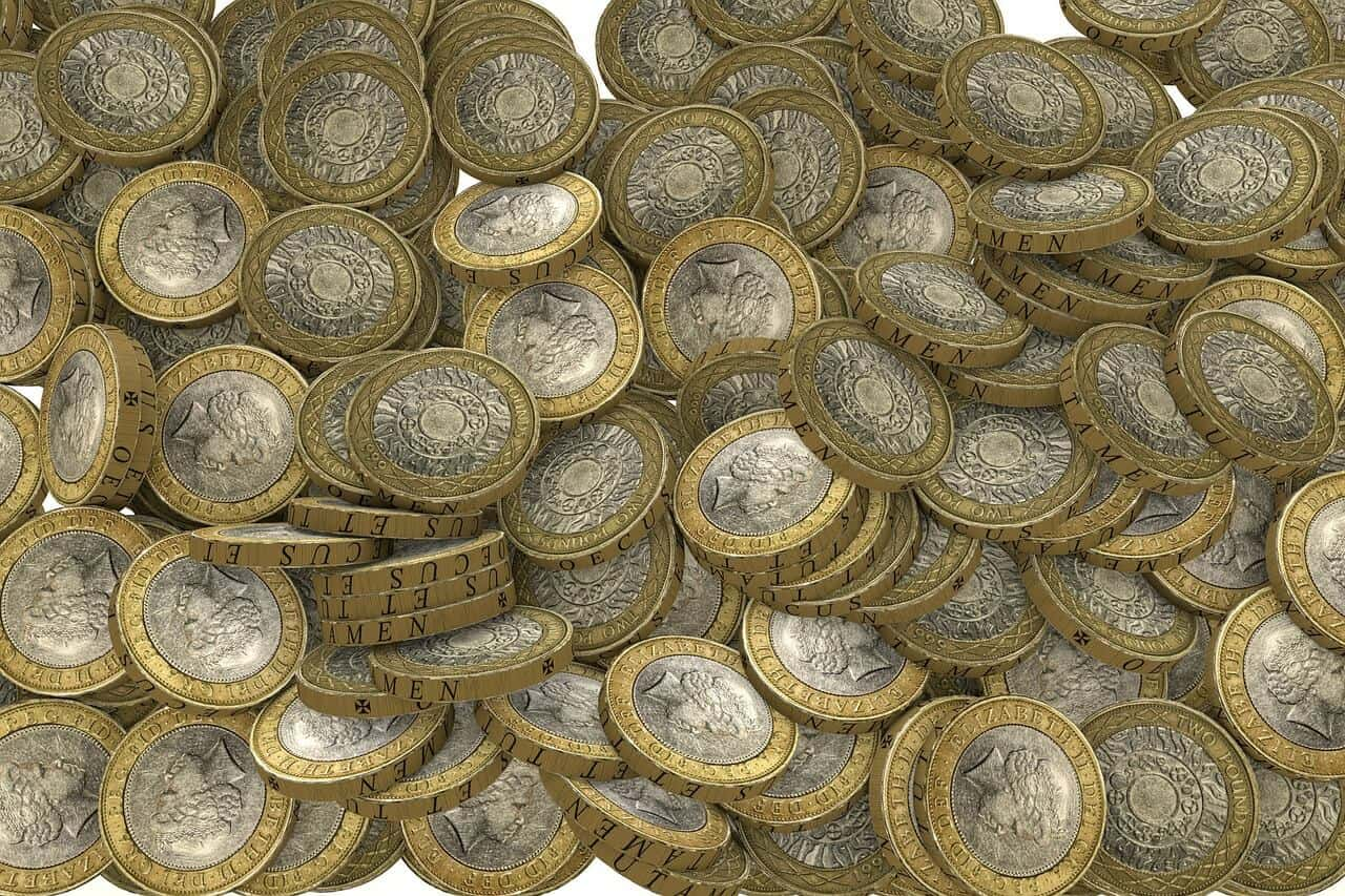 Image of two pound coins