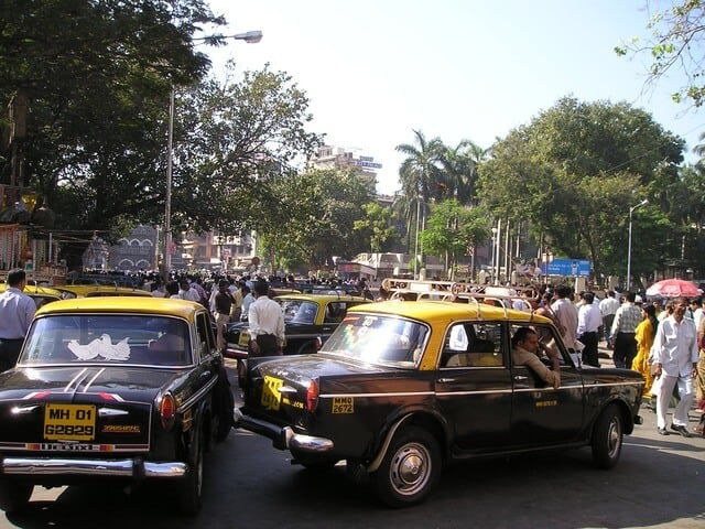 Image of taxis in Mumbai
